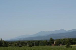 連山と宿167月